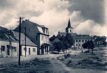 Náves obce Medlov
